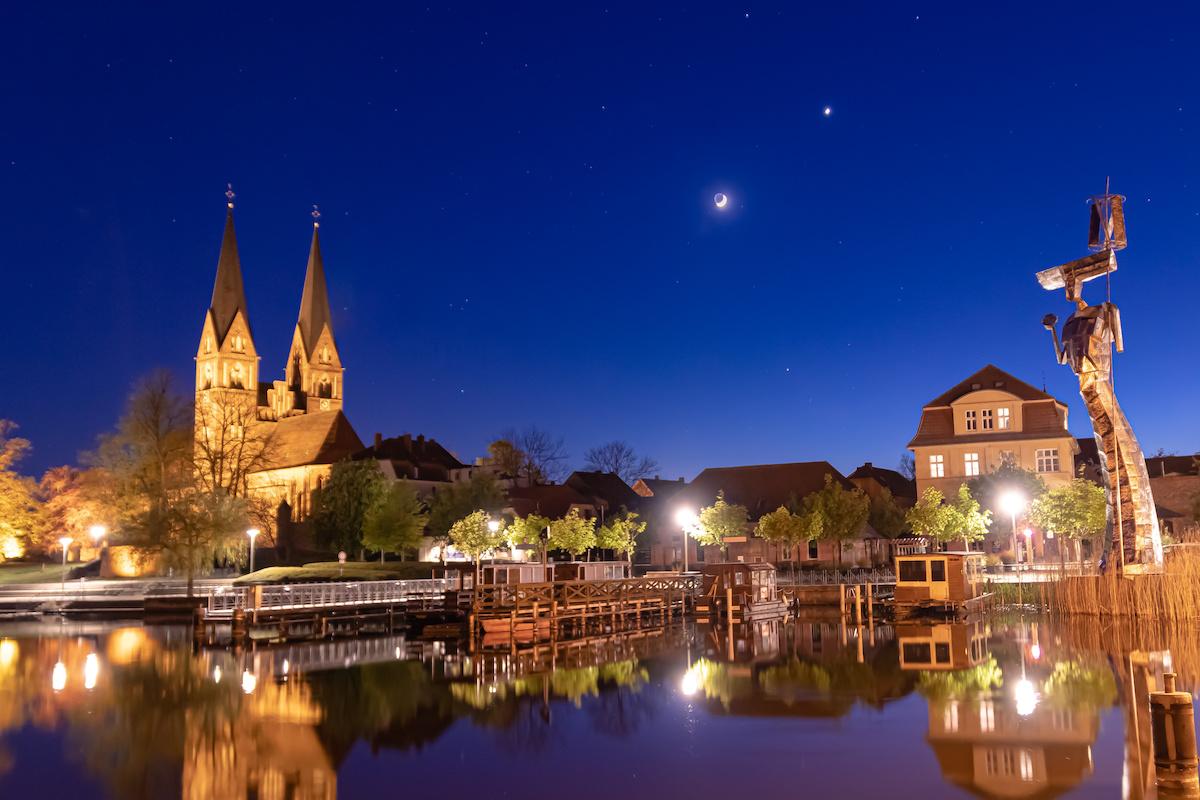 Neuruppin bei Nacht - Seen-Kultur-Radweg