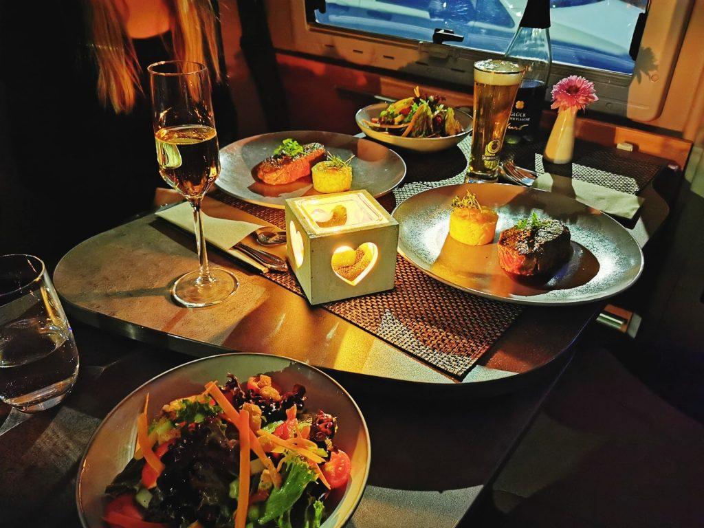 Dinner im Wohnmobil