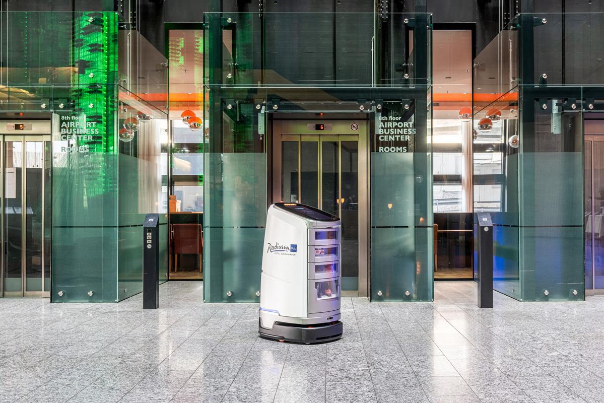 Roboter im Radisson Blu Hotel Zürich Flughafen