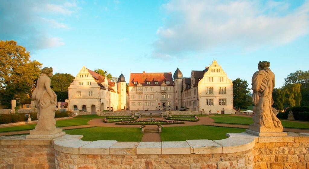 Herbst im Weserbergland – Gewinnen Sie eine Übernachtung im Schlosshotel Münchhausen
