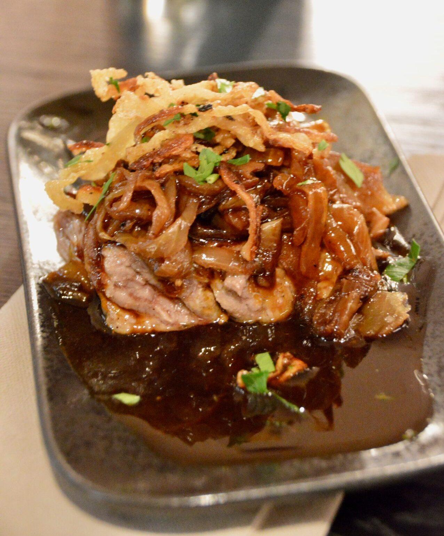 Roastbeef vom deutschen Limousin mit Röstzwiebel