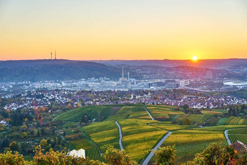 Blick auf Stuttgart Bad Cannstatt bei Sonnenuntergang