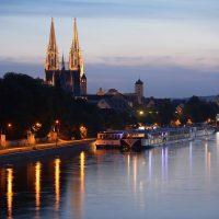 Regensburg in der Dämmerung