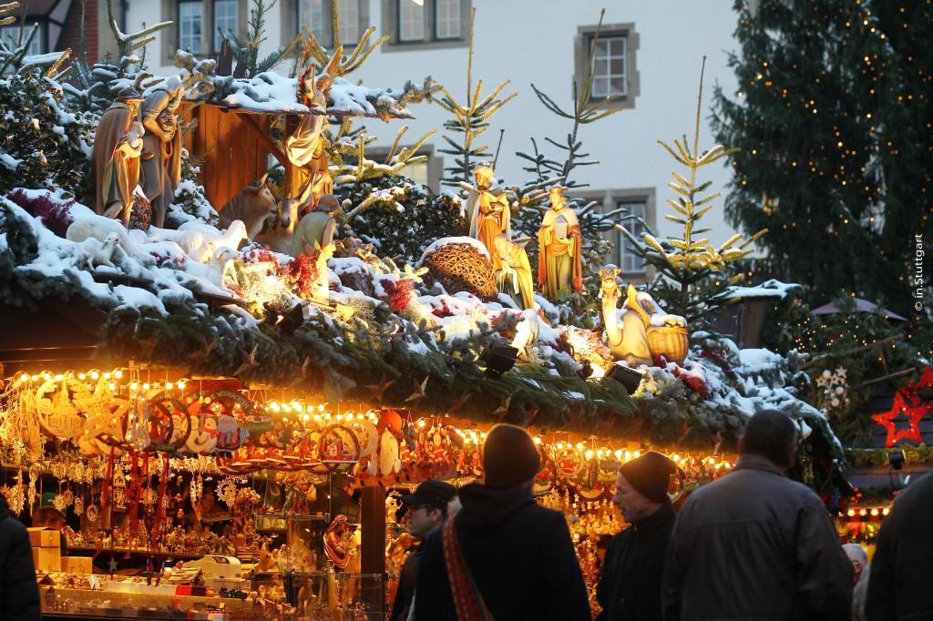 © in.Stuttgart - Stuttgarter Weihnachtsmarkt Standdeko 1