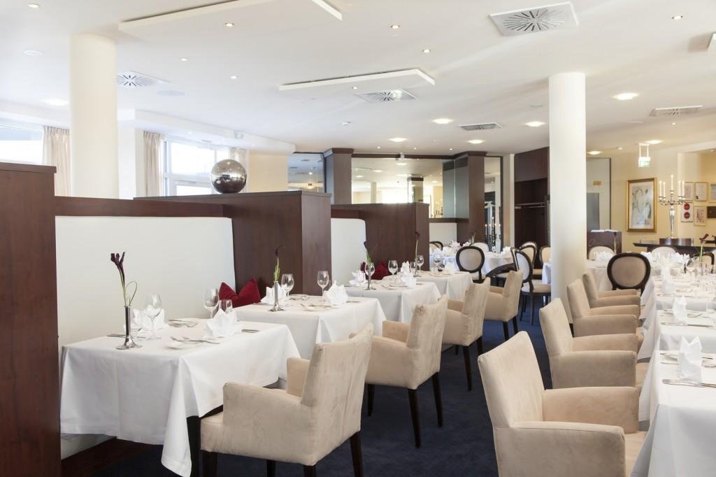 Brunch-Angebot im Restaurant Oliv's Starnberg, Starnberger-Fünf-Seen-Land, Sitzbereich
