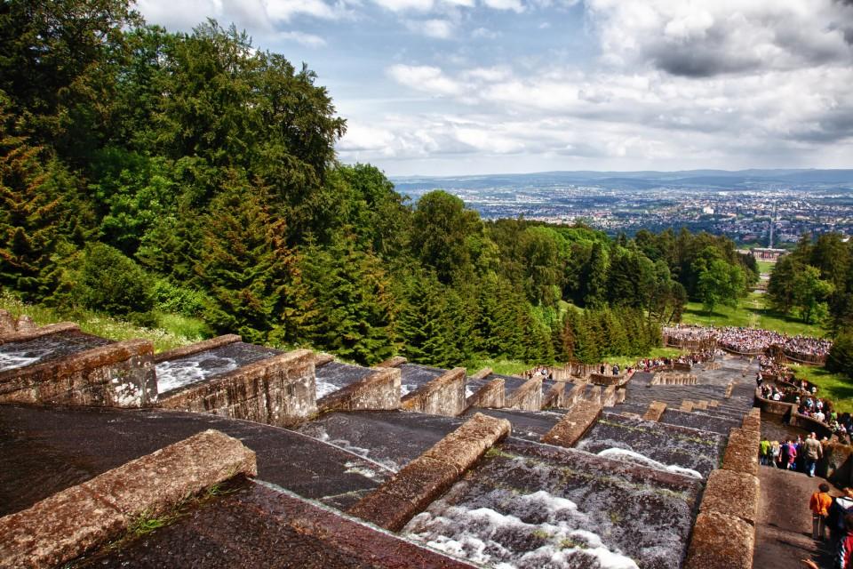 Kaskaden im Bergpark Wilhelmshöe mit Blick auf Kassel