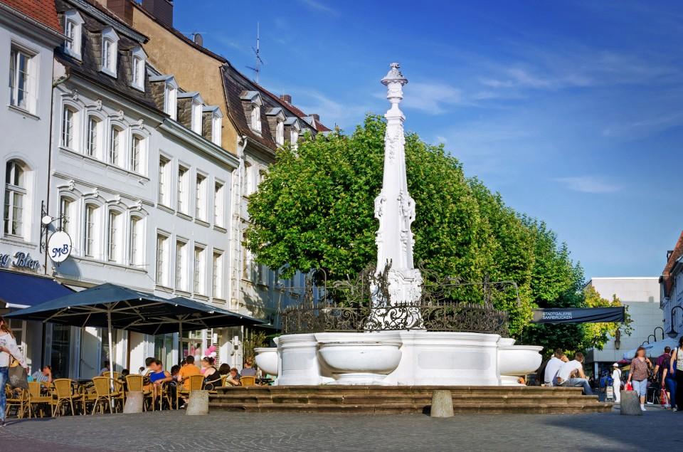 Saarbrücken (Saarland) Brunnen am St. Johanner Markt