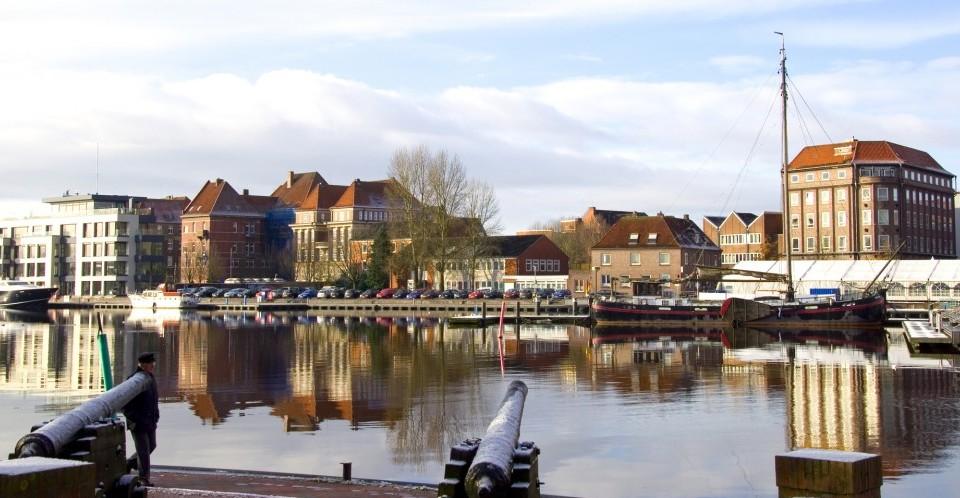 Hafen von Emden in Ostfriesland - Südbrookmerland