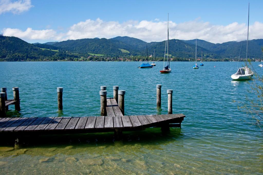 Boote auf dem Tegernsee in Bayern, Deutschland