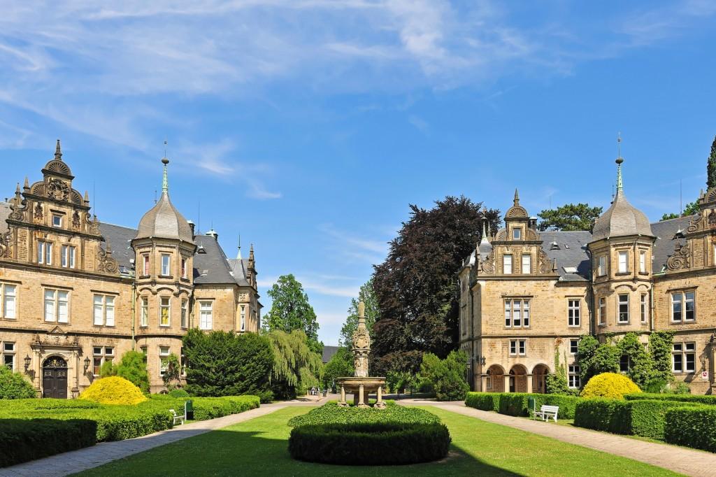 Schlosshof Schloss Bückeburg, Stammsitz der Fürsten zu Schaumburg-Lippe - Weserradweg
