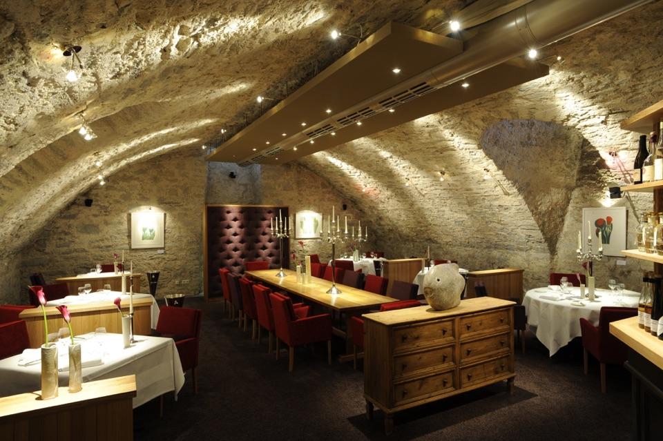 Mulfingen - Ailringen: Restaurant Hotel-Restaurant Altes Amtshaus, Amtsstube Amtskeller