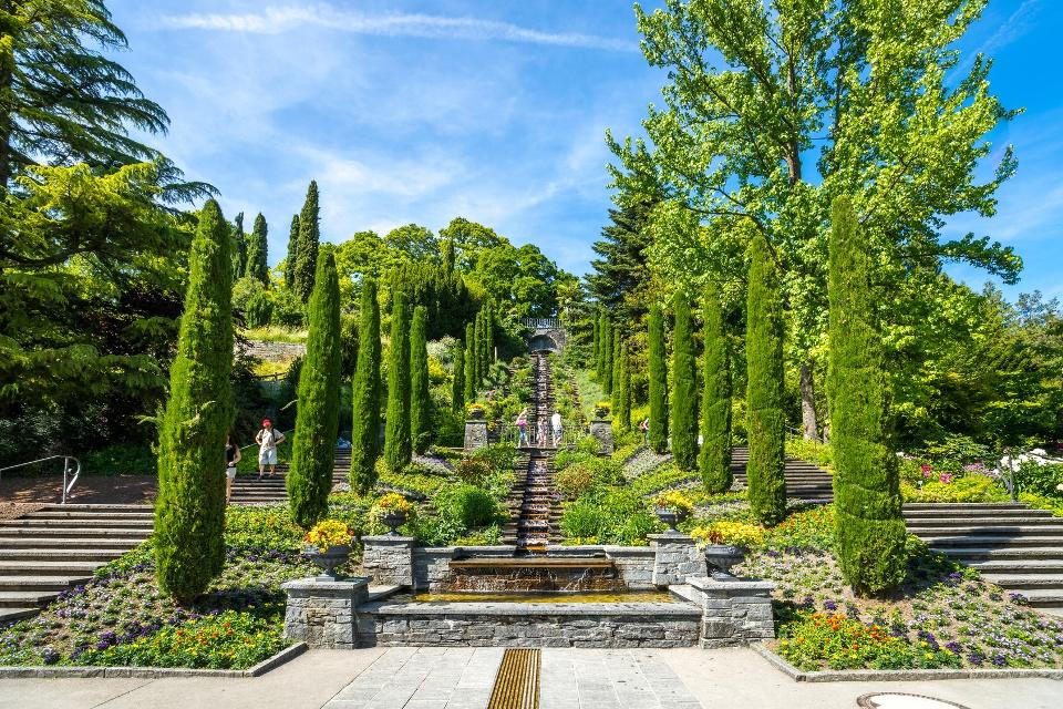 Italienische Wassertreppe auf der Blumeninsel Mainau im Bodensee- Rheintal/Bodensee