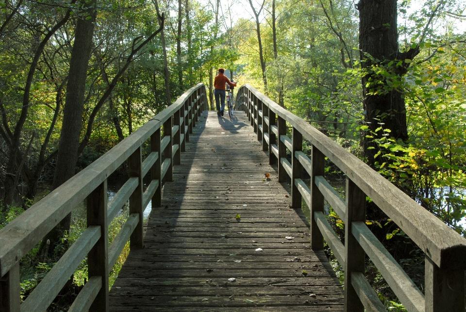 Brücke über die Ilmenau - Heideradweg