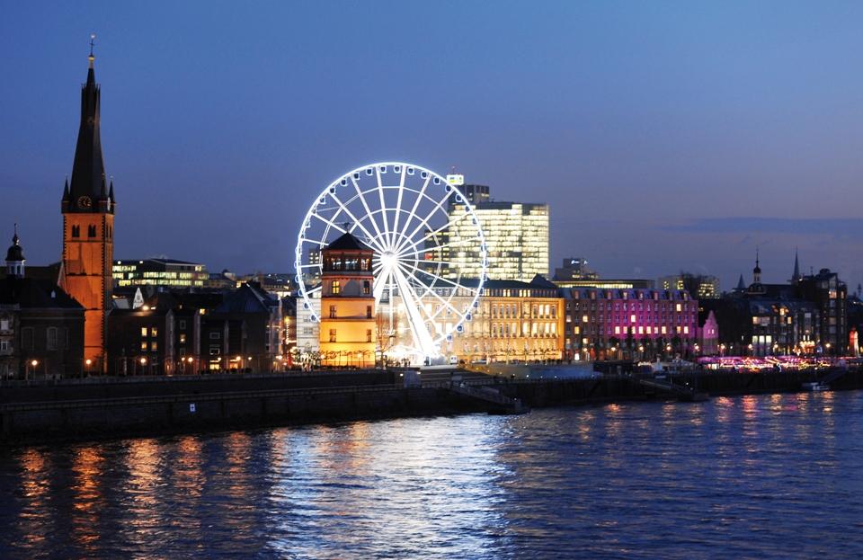 Wheel of Vision auf dem Düsseldorfer Weihnachtsmarkt © Düsseldorf Marketing & Tourismus GmbH