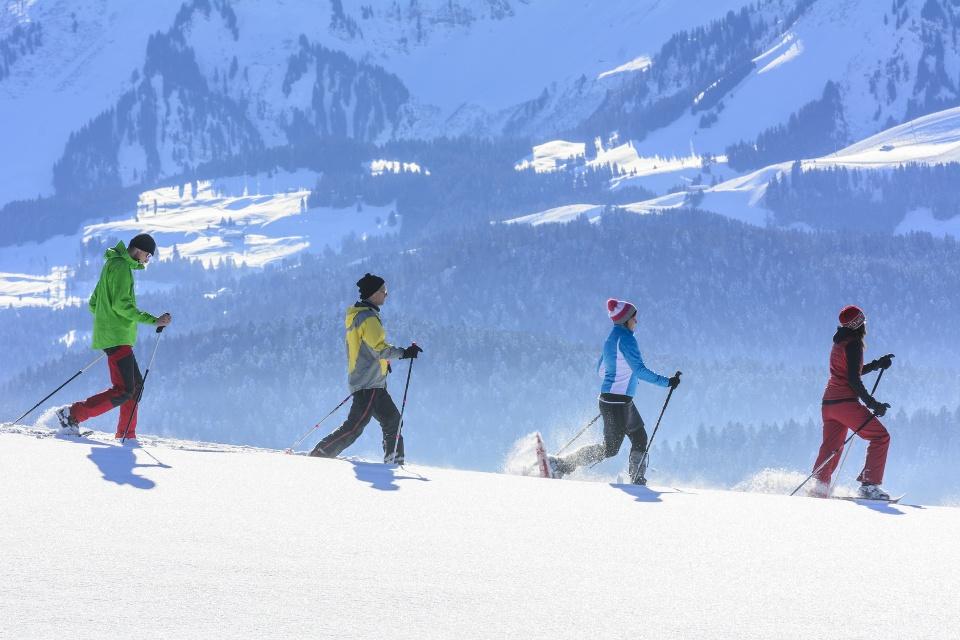 Schneeschuh-Wanderung im Gebirge, Vorarlberg
