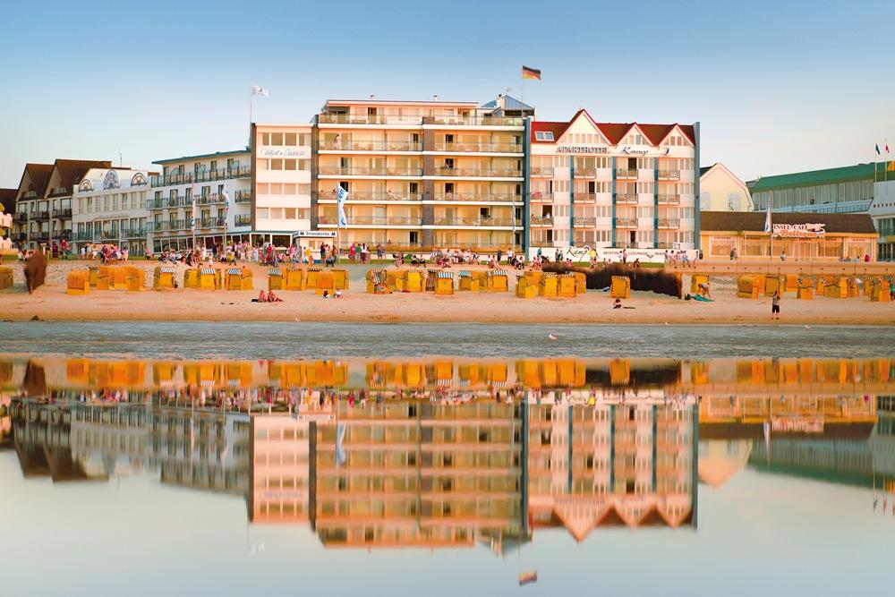 Aussenansicht Strandhotel Duhnen mit Aparthotel Kamp