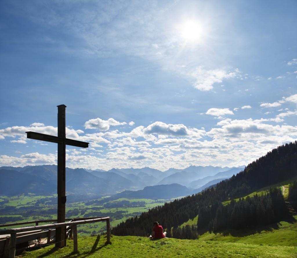 Bergpanorama bei Ofterschwang im Sommer