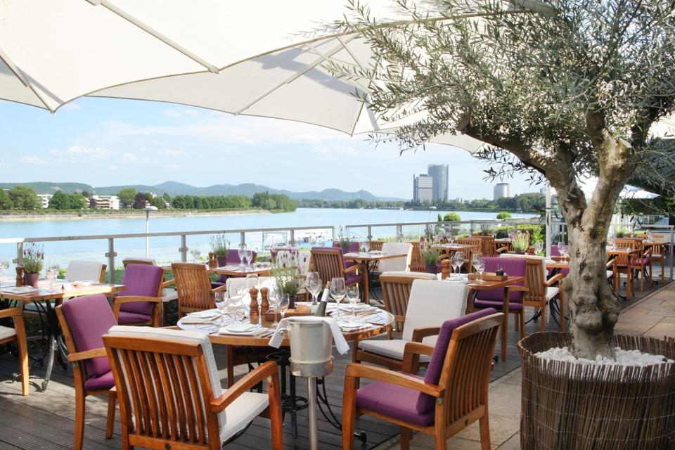 Restaurantterrase am Rhein, Ameron Hotel Königshof