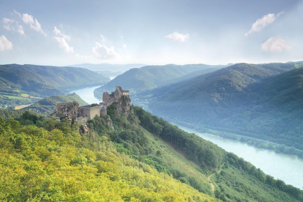 Burgruine Aggstein in der Kulturlandschaft Wachau