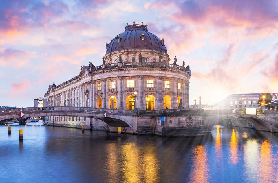 Museumsinsel Berlin mit dem Bode-Museum