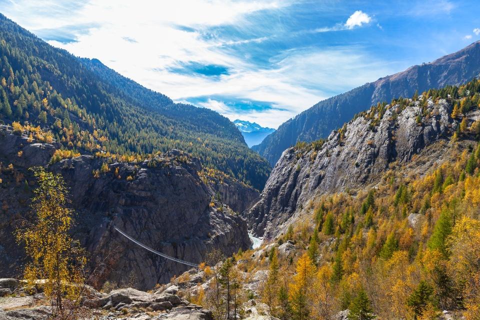 Hängebrücke zwischen Riederalb und Belalp in der Schweiz