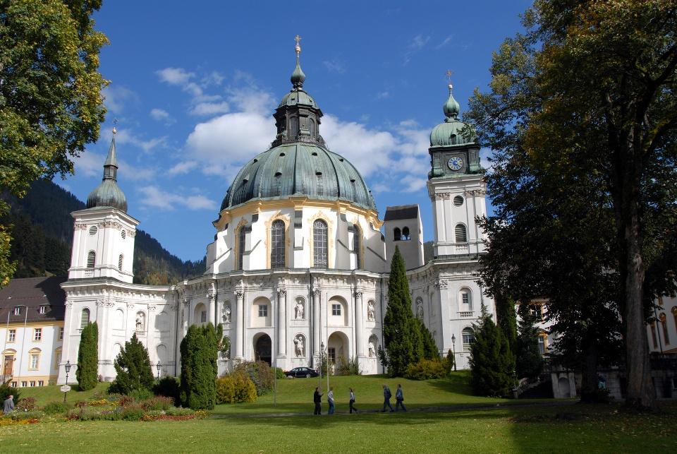 Kloster Ettal in den Ammergauer Alpen