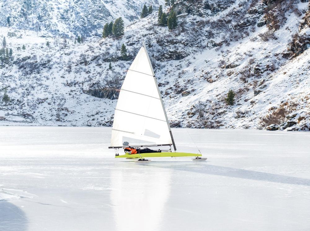 Icesurfing