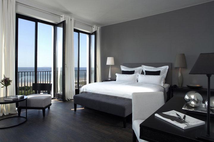 die 20 spektakul rsten designhotels in deutschland. Black Bedroom Furniture Sets. Home Design Ideas